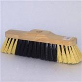 Dřevěný smeták na hůl 5111/611